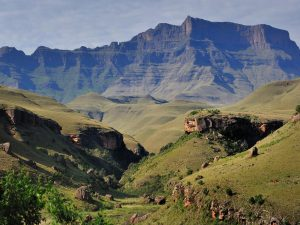 Hiking Trails - 5 - Experience the Drakensberg activity giants castle1