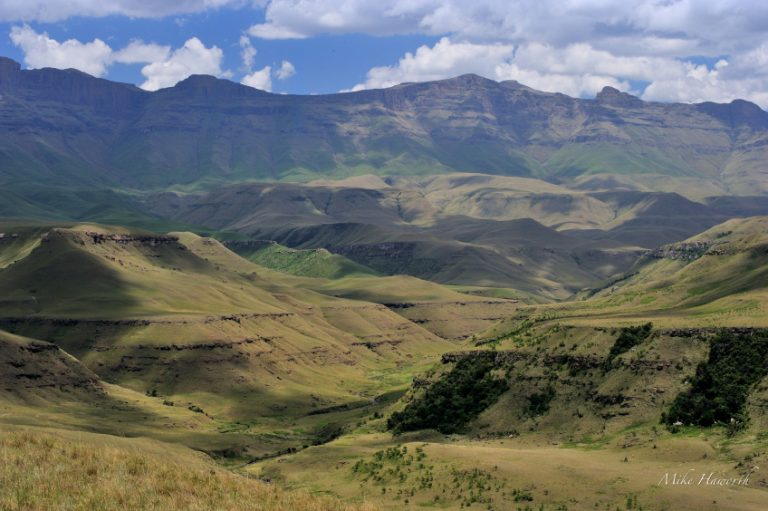 hiking guides - 2 - Experience the Drakensberg giants castle drakensberg 23 nov 2013 24521
