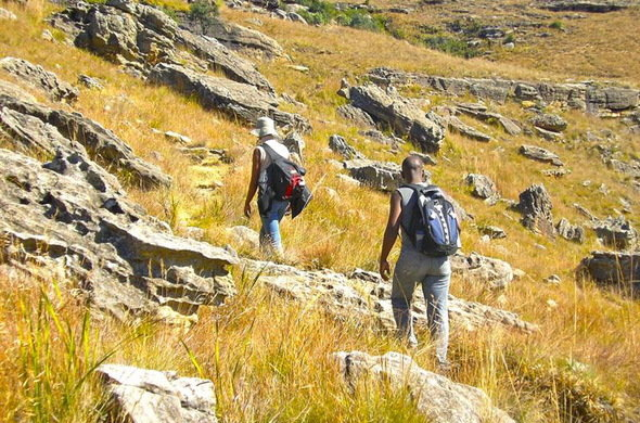 Hiking to view Drakensberg rock art